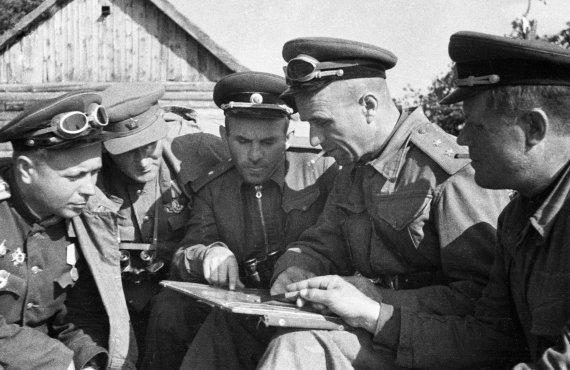 Сталин хотел назначить Асланова министром обороны