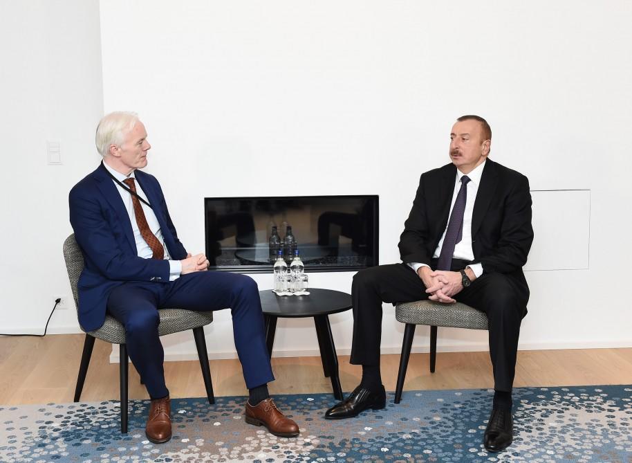 """İlham Əliyev """"Maykrasoft""""un vitse-prezidenti ilə görüşdü"""