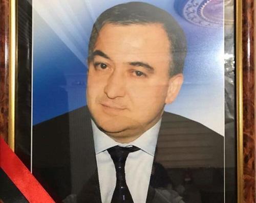 Azərbaycanda məmur qəfil öldü