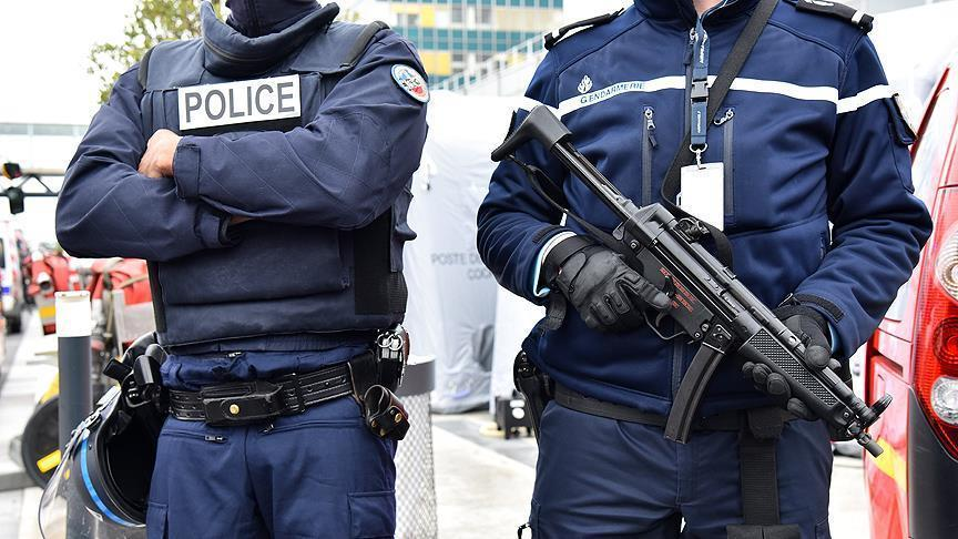 Париж пресек акцию курдов