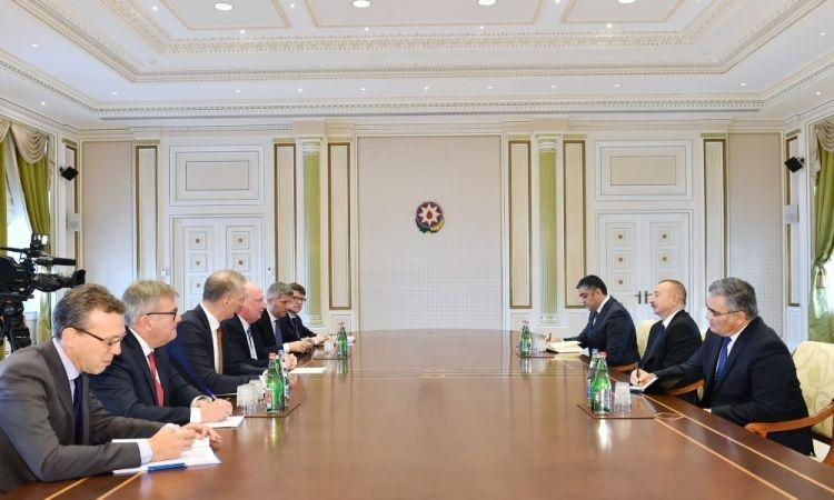 Prezident Avropa Komissiyasının üzvləri ilə görüşdü