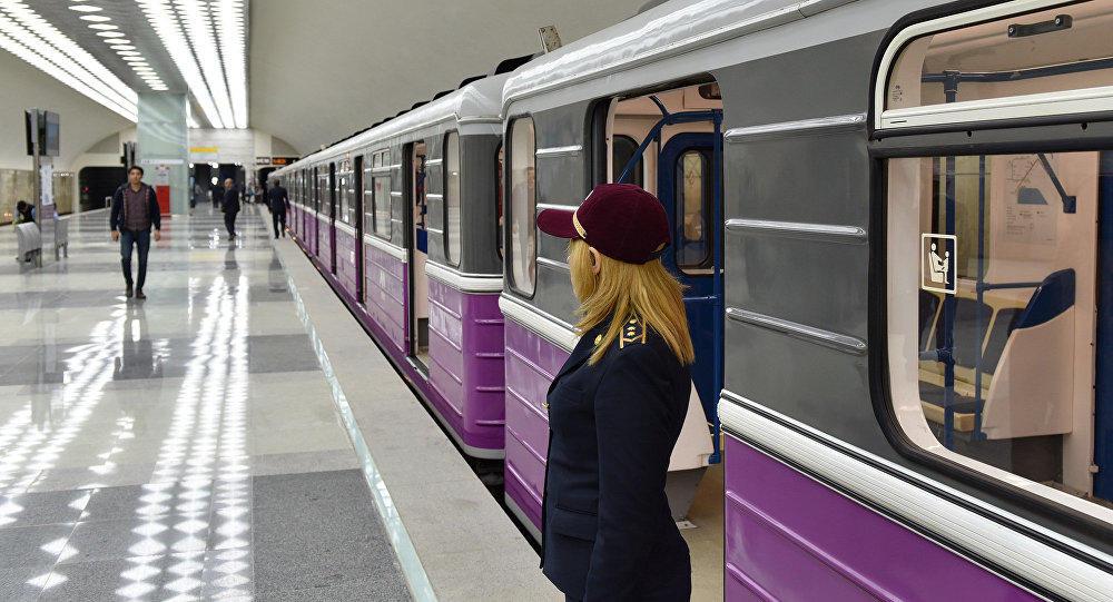 Бакинское метро сегодня закроется позже