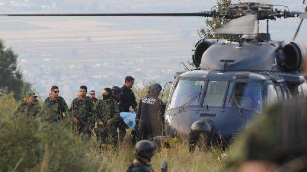 В Мексике упал вертолет с главой МВД и губернатором - Обновлено