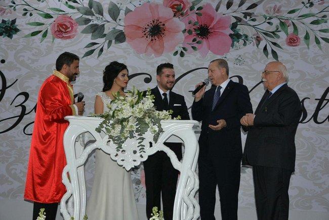 Ərdoğan onun nikah şahidi oldu - Foto