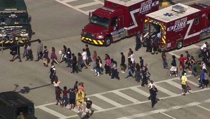 Тысячи американцев вышли протестовать против оружия