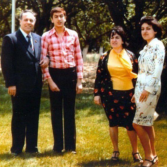 İlham Əliyevin 1977-də çəkilmiş nadir - Fotosu