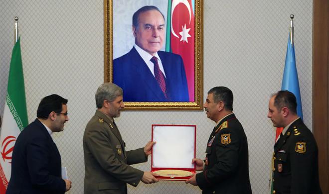 آذربایجان و ایرانین مدافعه ناظرلری گؤروشدو