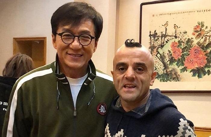 Джеки Чан сделал презент азербайджанскому Чаплину