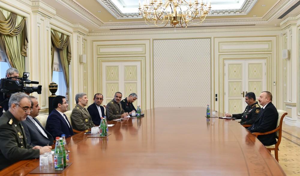 İlham Əliyev İranın müdafiə naziri ilə görüşdü