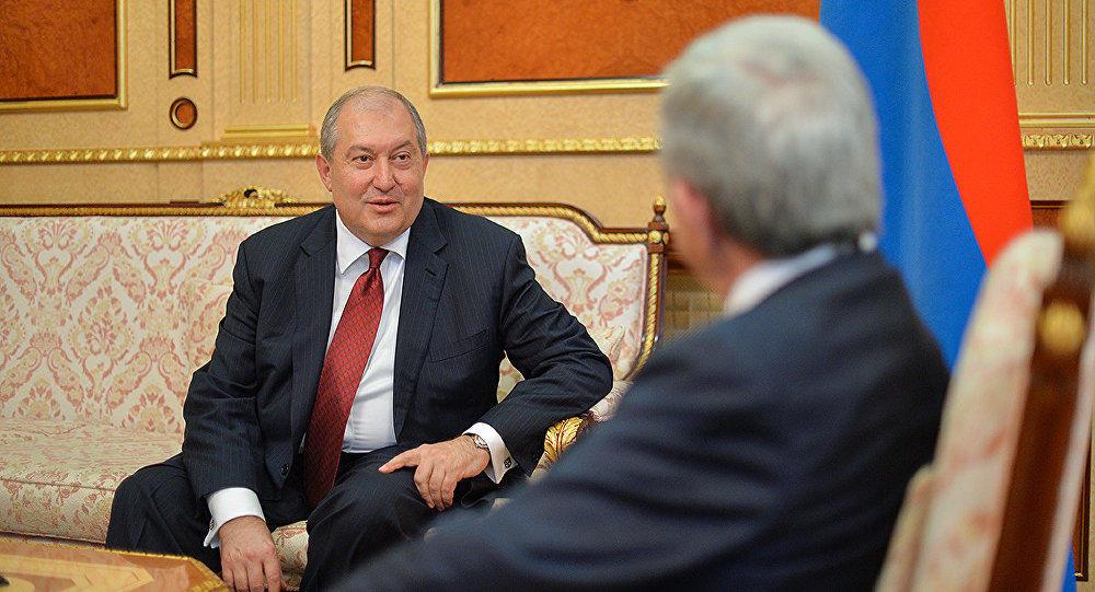 """О """"кабальных"""" условиях президентства Армена Саркисяна"""