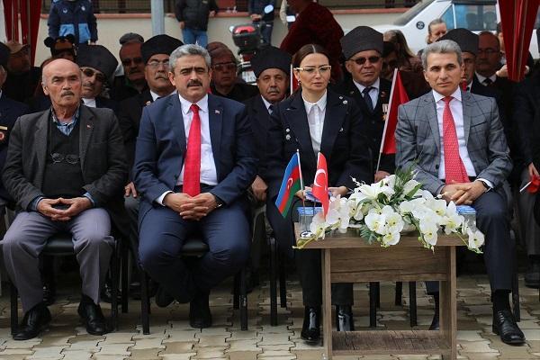 آذربایجان تورکون قالاسیدیر – هالوک آلیجیک