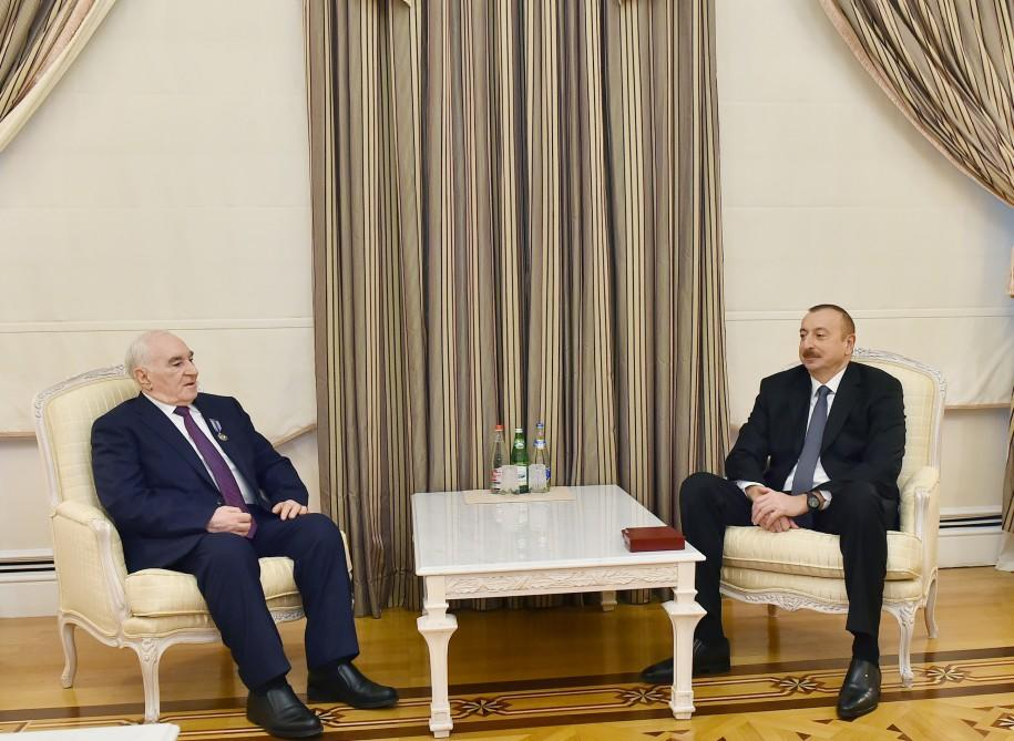 "Ilham Aliyev presents ""Istiqlal"" order to Fattah Heydarov"