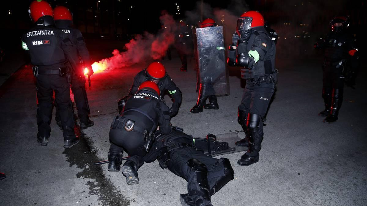 Фанаты «Спартака» убили испанского полицейского - Видео