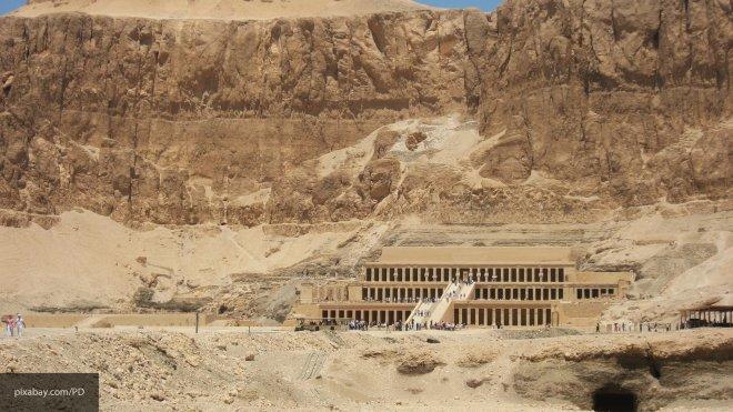 В Египте обнаружили некрополь жрецов с сокровищами