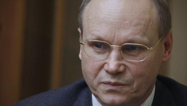 Известный российский экономист сбил свою жену