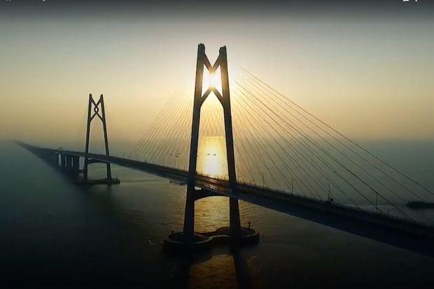 Çində dünyanın ən uzun dəniz körpüsü açıldı