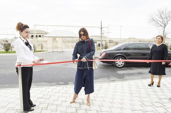 Mehriban Əliyeva uşaq bağçasının açılışında - Foto