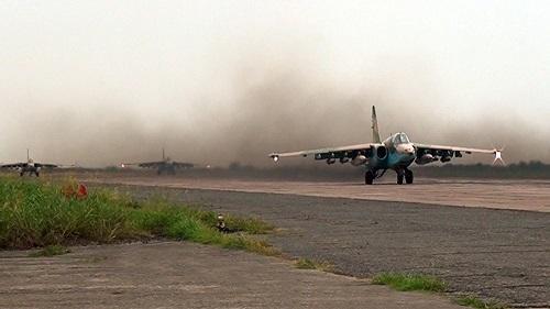 Təlim təyyarəsi qəzaya uğradı: pilotlar öldü
