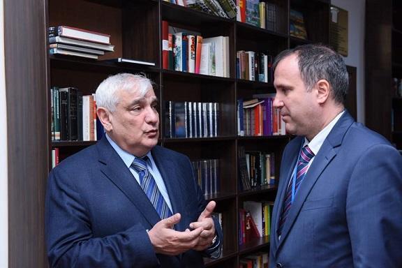 Kamal Abdulla Macarıstan səfiri ilə görüşdü - Foto