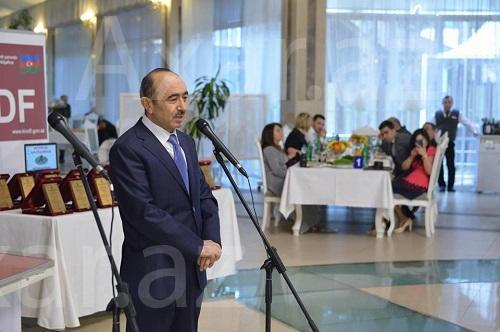 Əli Həsənovun satışa çıxardığı yerin şok qiyməti - Video