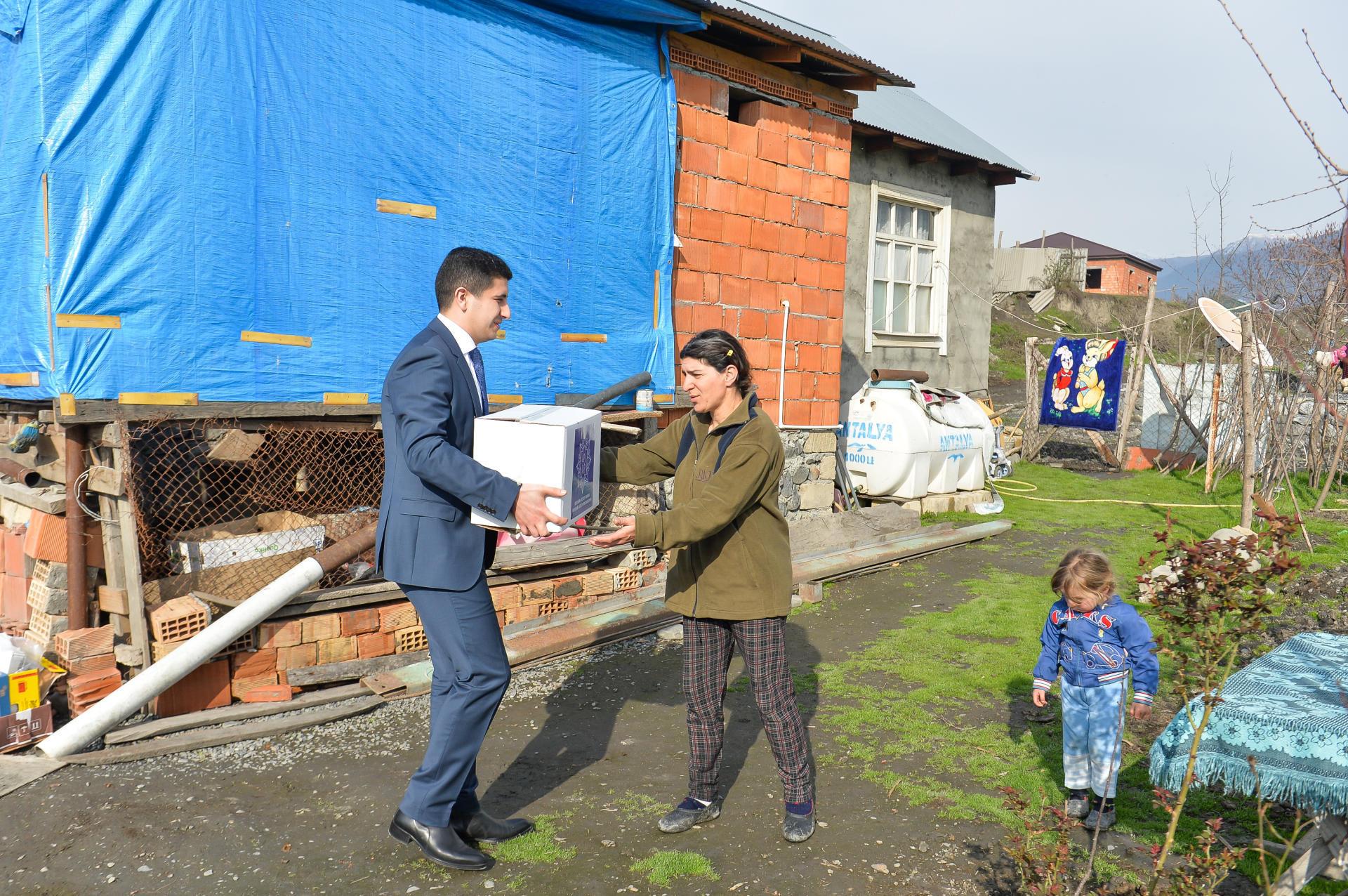 Фонд принес новрузовские дары - Фото