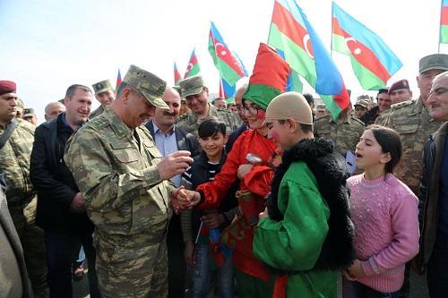 Zakir Həsənov Novruz bayramını belə keçirdi - Video
