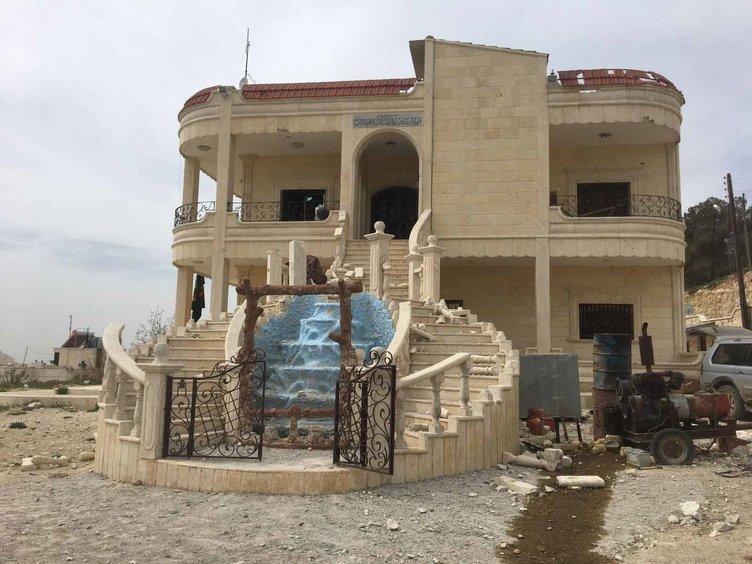 Terrorçular bu villalarda lüks həyat sürürmüş - Video