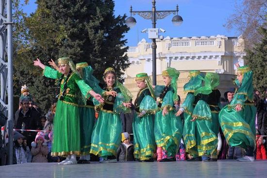 """Фестиваль на бульваре """"Горящие сердца Новруза"""" - Фото"""