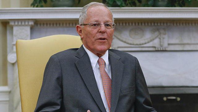 Конгресс Перу принял отставку президента