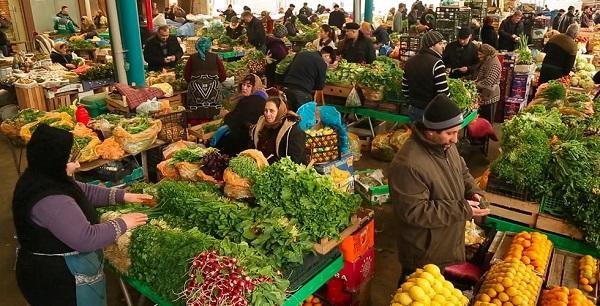 """Sabiq deputat """"Nəsimi"""" bazarında satıcı işləyir - Foto"""