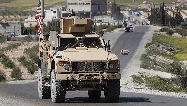 Коалиция США уничтожила свою базу на границе Сирии и Турции