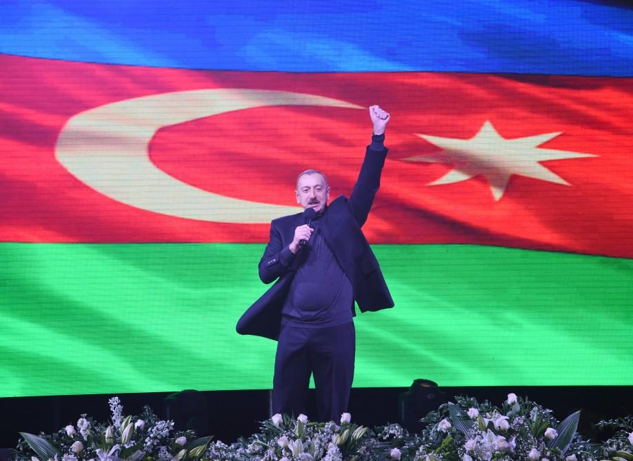 Belarus nəşri Əliyevin 15 illik fəaliyyətindən yazdı