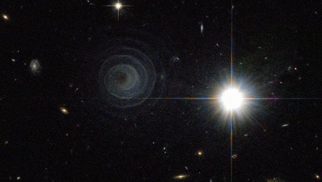 """Учёные нашли планету, """"пожирающую"""" свет"""