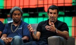 رونالدینیو و فیقو یئنیدن فوتبولدا - افسانهلر قاییدیر