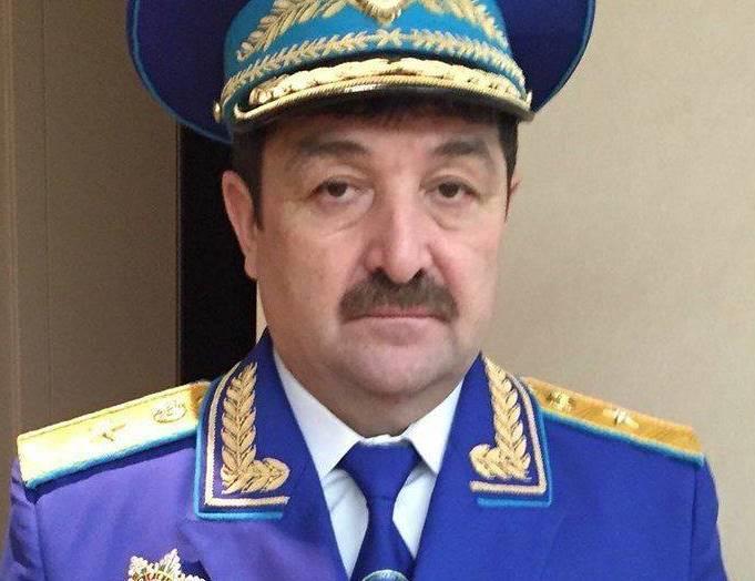 Qazaxıstanda azərbaycanlı general mükafatlandırıldı