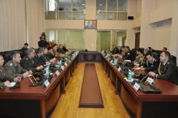 В МЧС прошла встреча с военными атташе - Фото