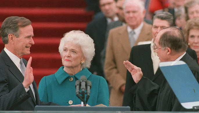Трамп не приедет на похороны Барбары Буш