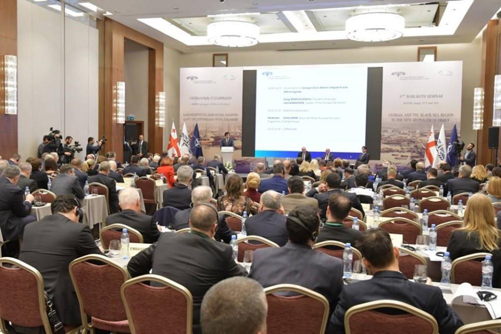 Erməni deputatlar NATO-nun seminarını tərk etdi