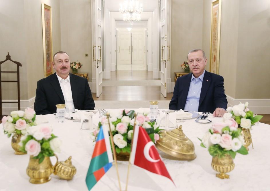 Ильхам Алиев на ужине с Эрдоганом - Фото