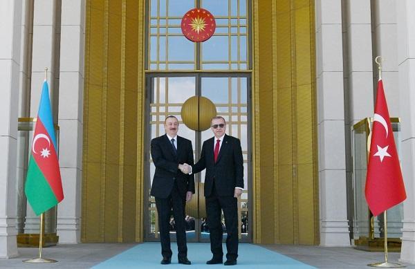 Эрдоган официально встретил Ильхама Алиева - Видео