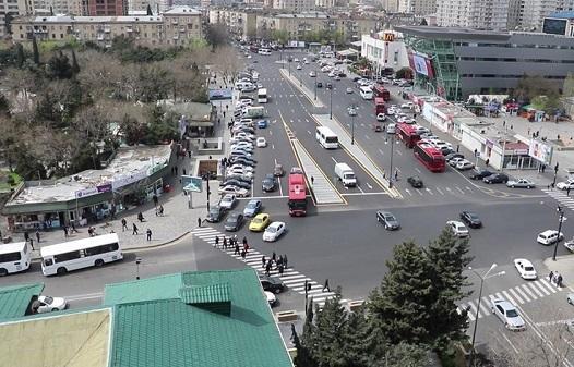 Bakının bu küçəsi belə vəziyyətə gətirildi - Foto