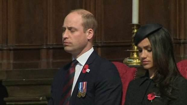 Prince William snoozes in church - Video/