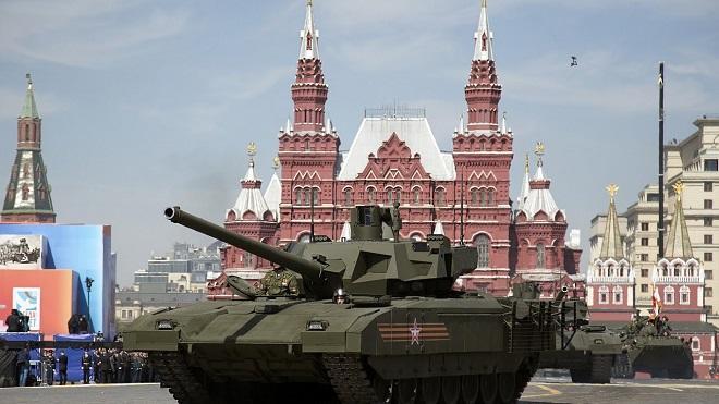 Nazirlik açıqladı: Hərbi texnikalar Moskvaya gətirilir