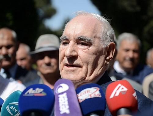 Fəttah Heydərovun TV-də təəccüb doğuran addımı - Video