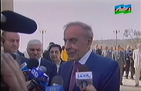 """""""Deyirdi, kameraları söndürün, bir az söhbət edək..."""""""