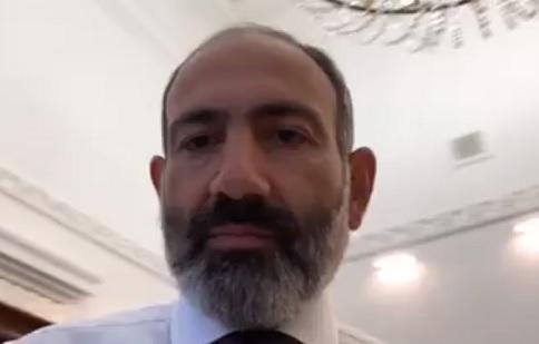 Nikol Azərbaycan dilində danışdı: Talançı, görməmiş... - Video