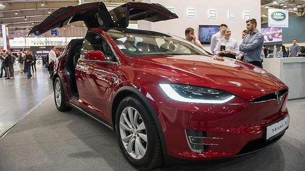 Tesla delivered more than 90,000 cars last quarter