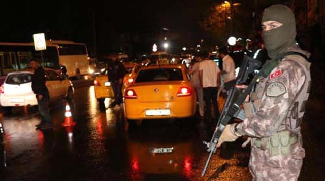 AKP binasına hücum: Şübhəli şəxs saxlanıldı