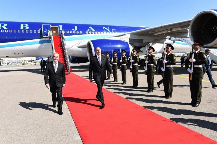 Ильхам Алиев в Нахчыване - Фото/Обновлено