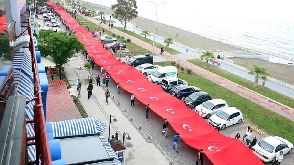Türkiyədə 1919 metrlik bayraq heyrət doğurdu - Foto